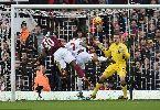 Chùm ảnh: Andy Carroll nổ súng, West Ham lại lấy 3 điểm của ông lớn Liverpool