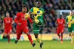 Chùm ảnh: Chùm ảnh: Liverpool giật 3 điểm trong trận cầu điên trên sân Carrow Road