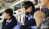 Chùm ảnh: Tuấn Anh lạ lẫm làm khán giả trong màu áo Yokohama FC