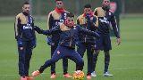Chùm ảnh: Bầu không khí nặng trĩu của Arsenal trước trận chiến Swansea