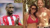 Chùm ảnh: Defoe, Ronaldo & những sao bóng đá giật bồ CĐV