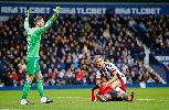 Chùm ảnh: Mata lĩnh thẻ đỏ, Manchester United sắp rời top 6