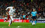 Chùm ảnh: 2 phút sút một lần, Real Madrid và Roma làm tan nát trái tim NHM