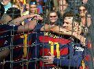Messi ôm bóng ngẩn ngơ sau pha đá hỏng 11m