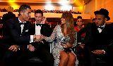 """Điểm tin hậu trường 24/03: Neymar """"rung rinh"""" trước tấm lòng của CR7; Van Gaal làm """"phật lòng"""" siêu mẫu xứ cờ hoa"""